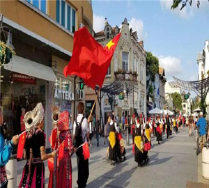 chinese-style-appearing-in-the-46th-burgas-international-folk-festival-in-bulgaria